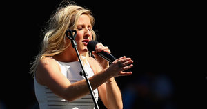 Ellie Goulding Blames Alleged Lip Syncing On 'The Sound Guy'