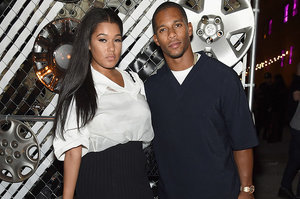 Oh Shit! Did Victor Cruz's Fiancé Just Send A Group Text To His Mistresses?