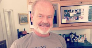 Kelsey Grammer Wears Bizarre Anti-Choice Shirt