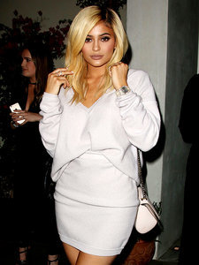 """Kylie Jenner Stands out from Family in Pale Pink Outfit: 'I Didn't Get the """"Wear All Black"""" Memo'"""
