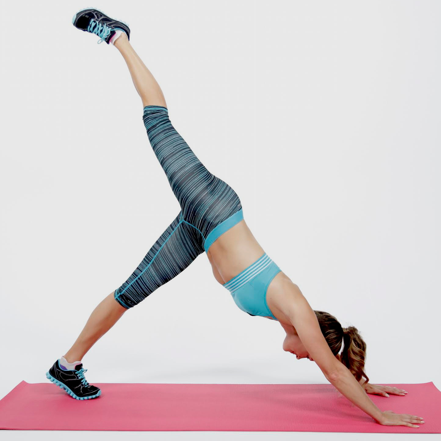 5-Minute Sexy, Sculpted Arm Workout | POPSUGAR Training ...