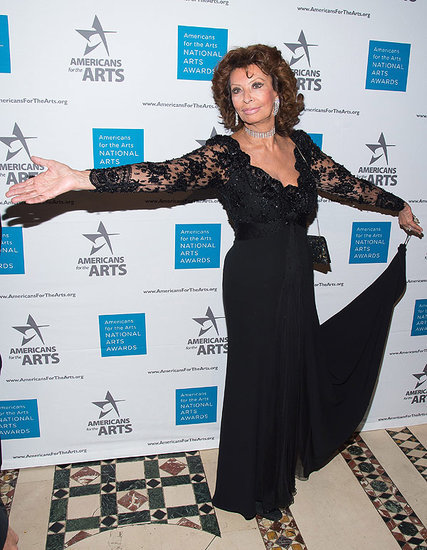 Bella Donna! Sophia Loren, 81, Continues Her Ageless Red Carpet Reign in Glamorous Black Gown