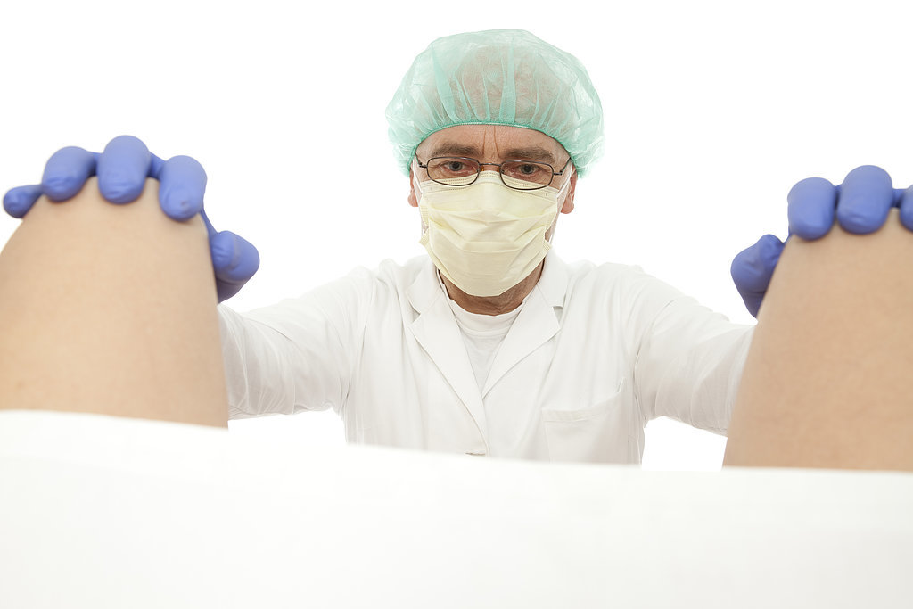 Фото гинеколог делает девушке мозоль 8 фотография