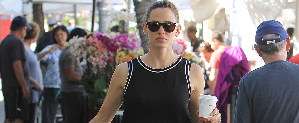 Jennifer Garner Is the Apple of Our Eye During a Trip to the Farmers Market