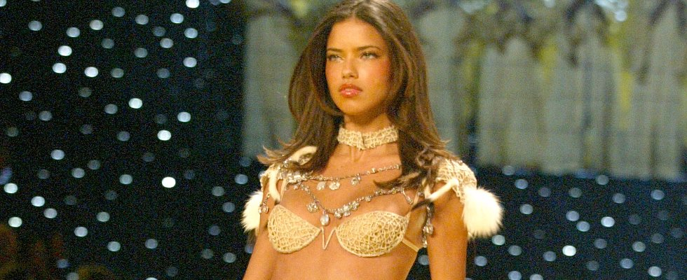 16 Years Later, and Adriana Lima Is Still a Seriously Hot Victoria's Secret Model