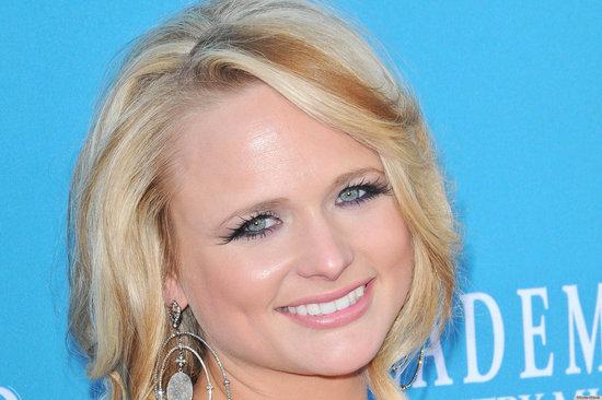 Men's Hair Rocks Country Music Awards; Women Keep It Soft, Natural