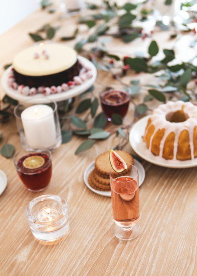 'Tis the Season For Toasting: 10 Low-Cal Holiday Cocktails