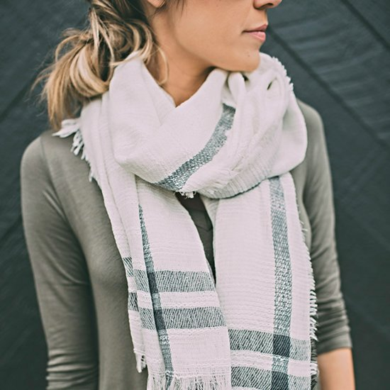 How to Wear a Scarf For Winter