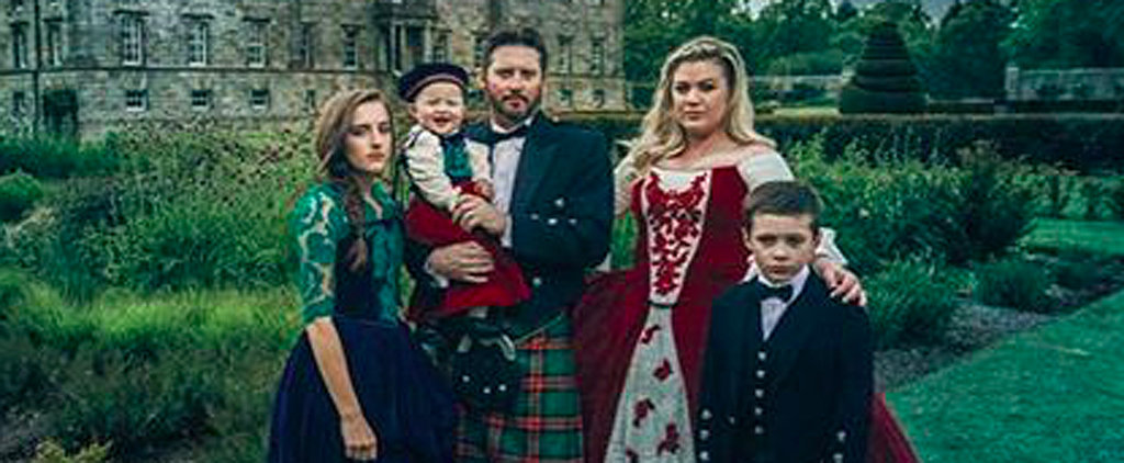 Kelly Clarkson and Her Family Take the Christmas Card Game to a Whole New Level