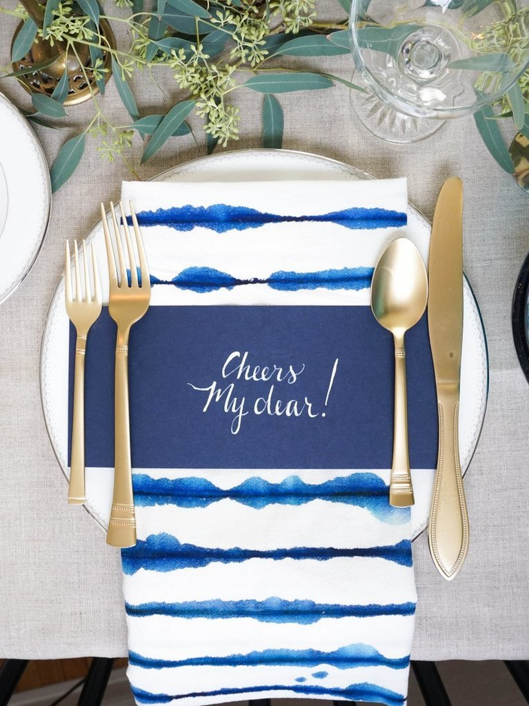 How to throw a small space holiday dinner party popsugar for How to throw a big party