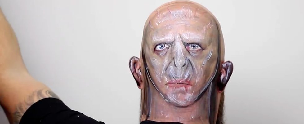 This Artist Totally Aced Her Transfiguration O.W.L. With This Magical Voldemort Body Art
