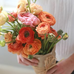 The Best Non-Rose Flowers to Give For Valentine's Day