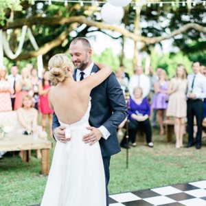 Creative Ways to Entertain Wedding Guests