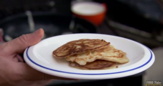 The Easiest 3-Ingredient Pancakes In The World