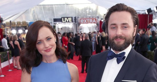 Alexis Bledel Hits Red Carpet With Husband Vincent Kartheiser at SAG Awards After Gilmore Girls Revival News