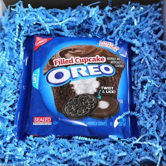 Filled Cupcake Oreos Review