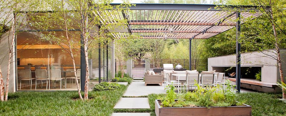 7 of HGTV's Favorite Outdoor Cooking and Dining Areas
