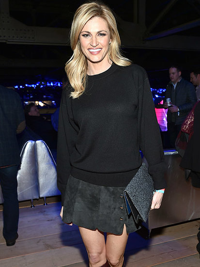 Erin Andrews Predicts Super Bowl 50 Winner and Reveals Her 'Coolest Moment' - with Michael Strahan - in NFC Championship Game
