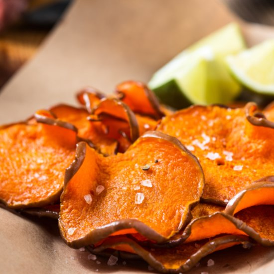 These sweet potato chips are so addicting, via @THRIVEmkt