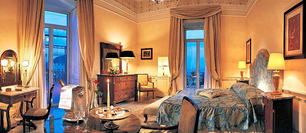 Grand-Hotel-Excelsior-Vittoria.jpg