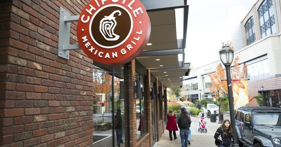 All Chipotle Restaurants Will Be Closed On Monday Until 3 p.m. Local Time