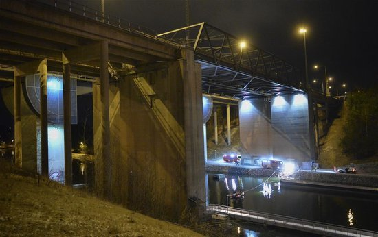 Brit Band Dead After Car Plunges Off Bridge
