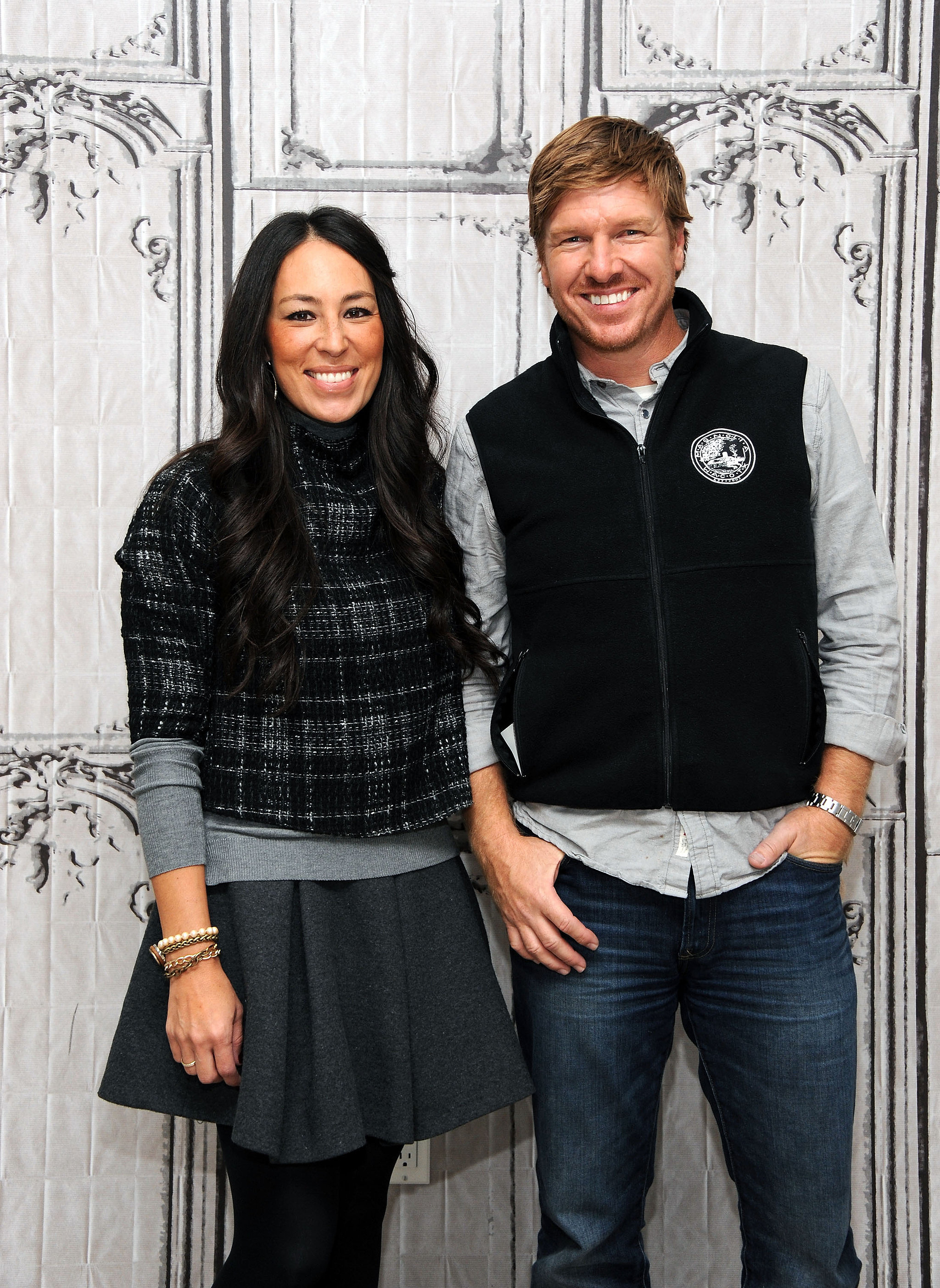 What it 39 s really like to be cast on fixer upper popsugar for How does fixer upper actually work