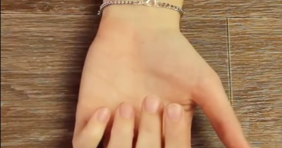 How To Clasp A Bracelet When You're All By Yourself
