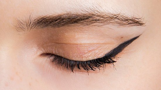 The One Thing You Should Never Do When Applying Eyeliner
