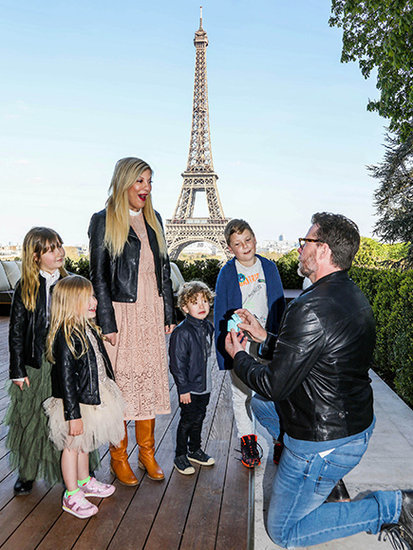Dean McDermott Proposes to Tori Spelling (Again!) During Family Vacation in Paris