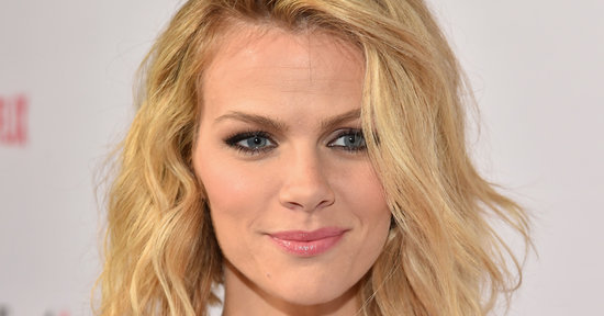 Brooklyn Decker's Plane Left Without Her for Being a Woman
