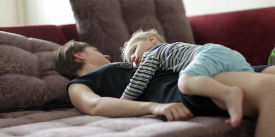 Here's How Sleep-Deprived Moms Can Get Quality Sleep Each Night