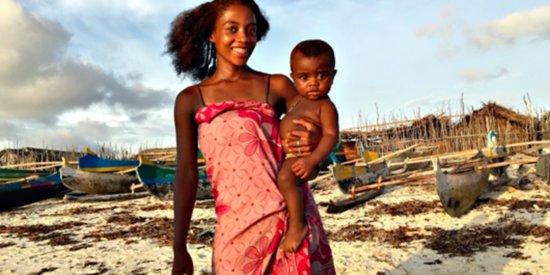 10 Gorgeous Images That Celebrate Motherhood Around The World