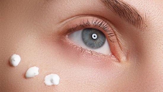 The One Thing You Should Never Do When Putting On Under Eye Cream