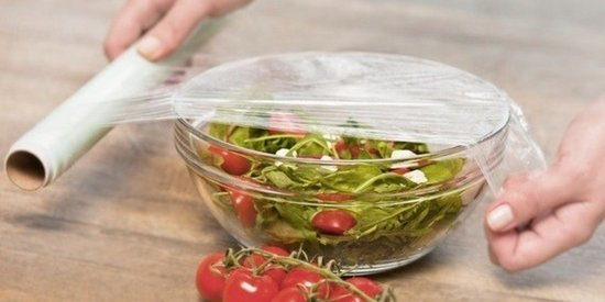 The Easy Way to Get Cling Wrap to Actually Cling to Stuff