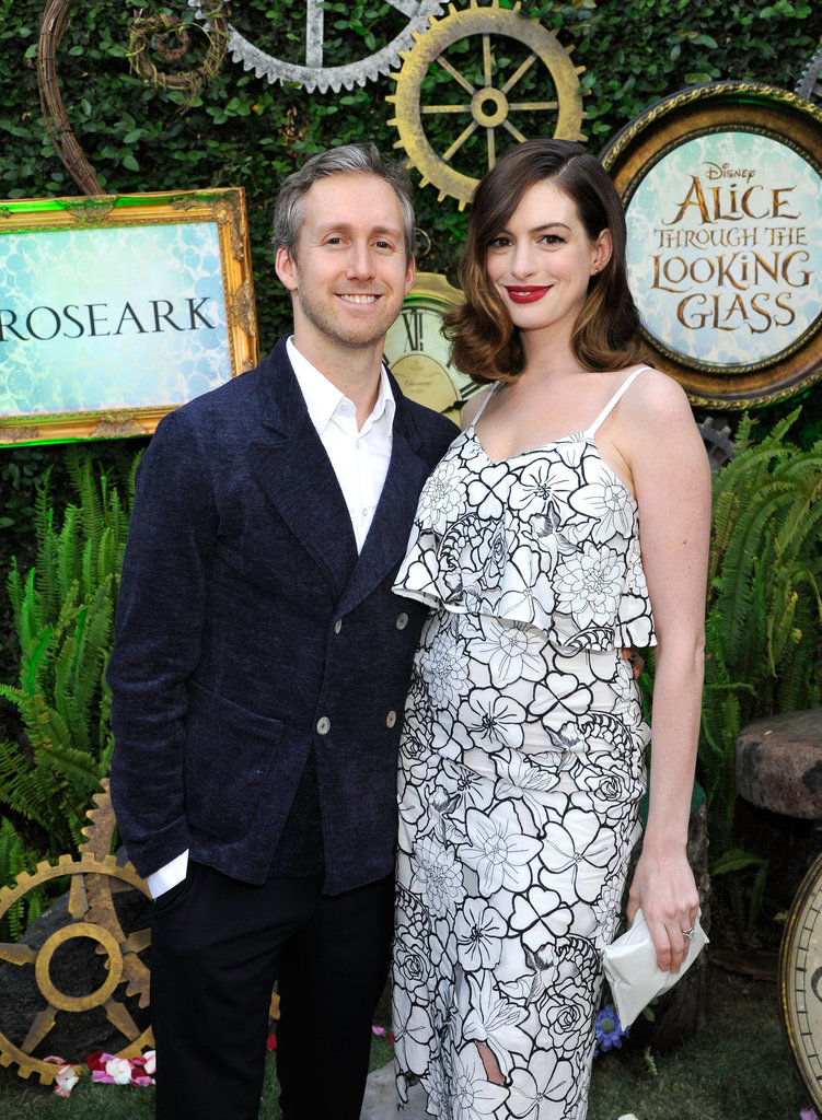 Anne Hathaway and Husband on Red Carpet May 2016 ...