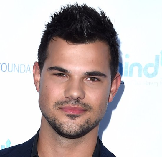 Taylor Lautner Jokes About Still Having Taylor Swift's Phone Number