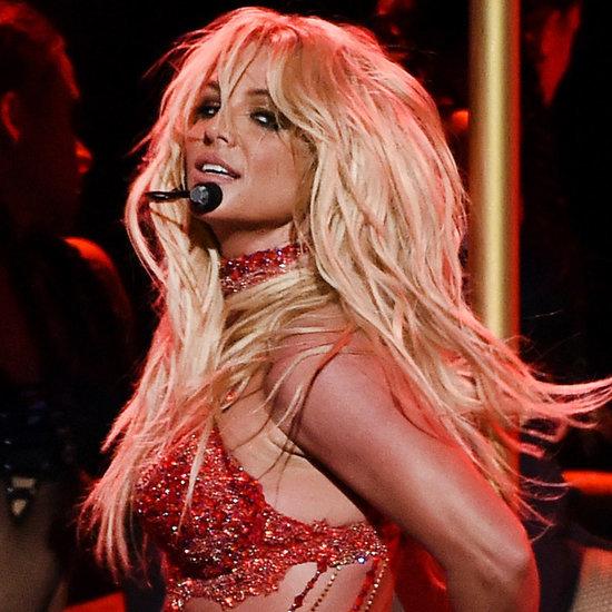 Britney Spears  - Σελίδα 3 Britney-Spears-Performs-Billboard-Music-Awards-2016