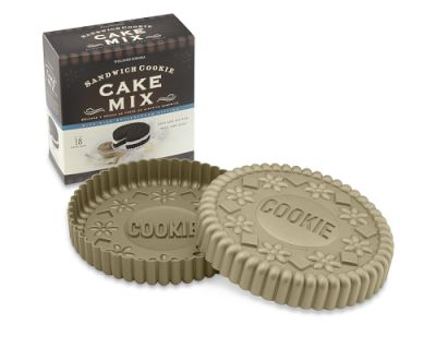 For the Entertainer: Sandwich Cookie Cake Pan with Chocolate Sandwich Cookie Cake Mix