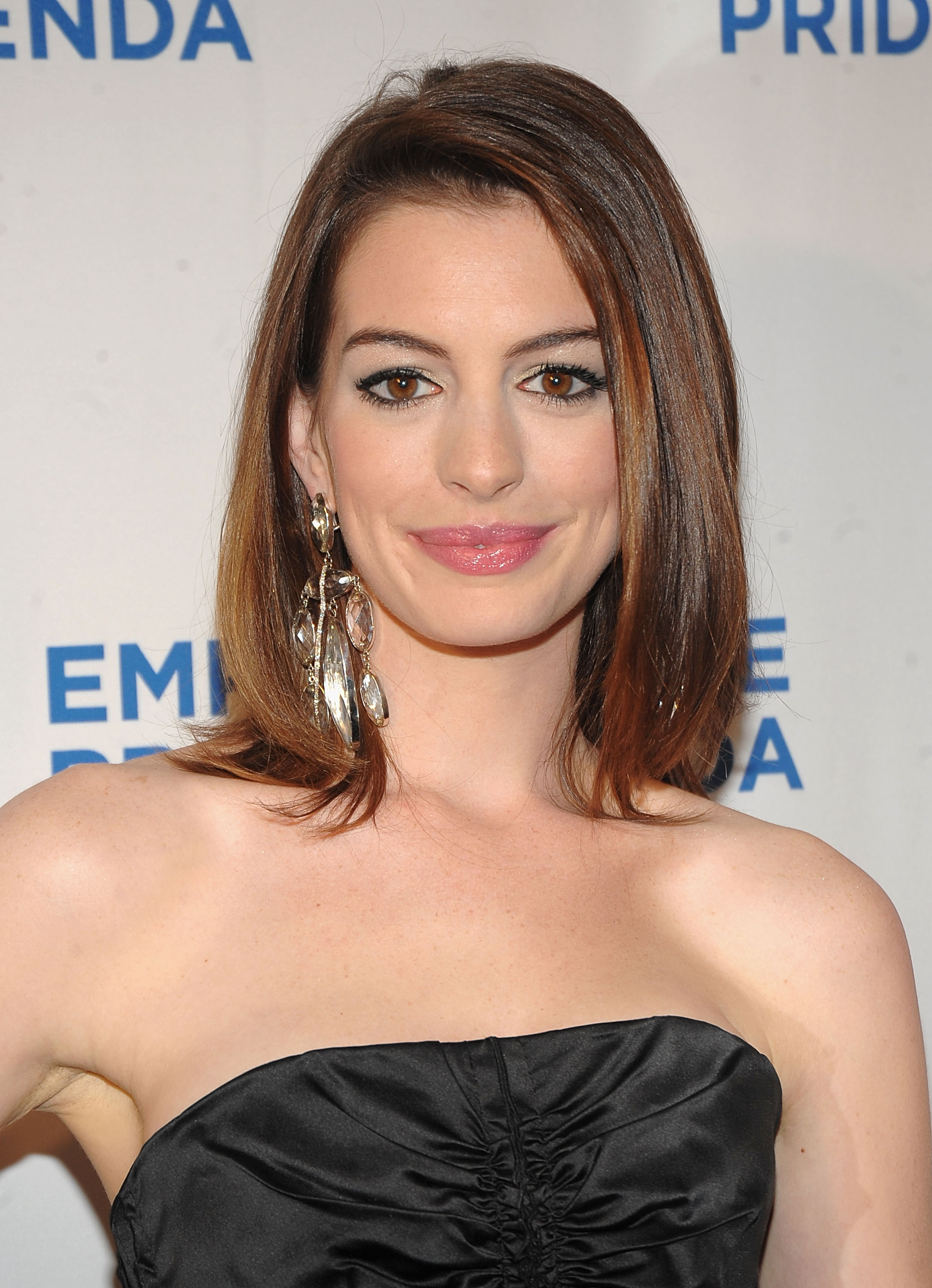 Photos of Anne Hathaway
