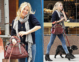 Photos of Sienna Miller Walking Her Dog in NYC 2009-10-21 19:40:52