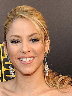 Photos of Shakira at the 2009 American Music Awards
