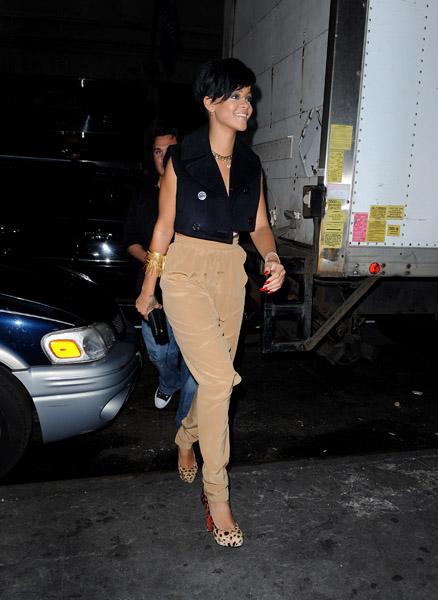 Rihanna Street Style Outfits Popsugar Fashion