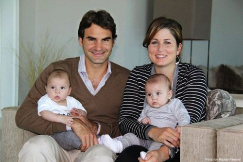 Lil Links: This Family Photo Is Fedorable