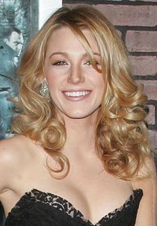 Blake Lively Cast in the Green Lantern Opposite Ryan Reynolds 2010-01-11 10:30:00