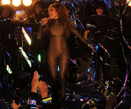 Photo Slide of Jennifer Lopez Performing in NYC on New Year's