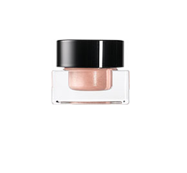 Beauty coverage of Bobbi Brown Quick Face Collection
