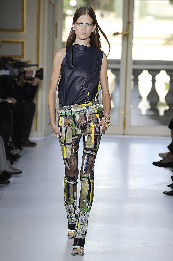 Balenciaga Aims to Go Thorougly Modern for Spring 2010