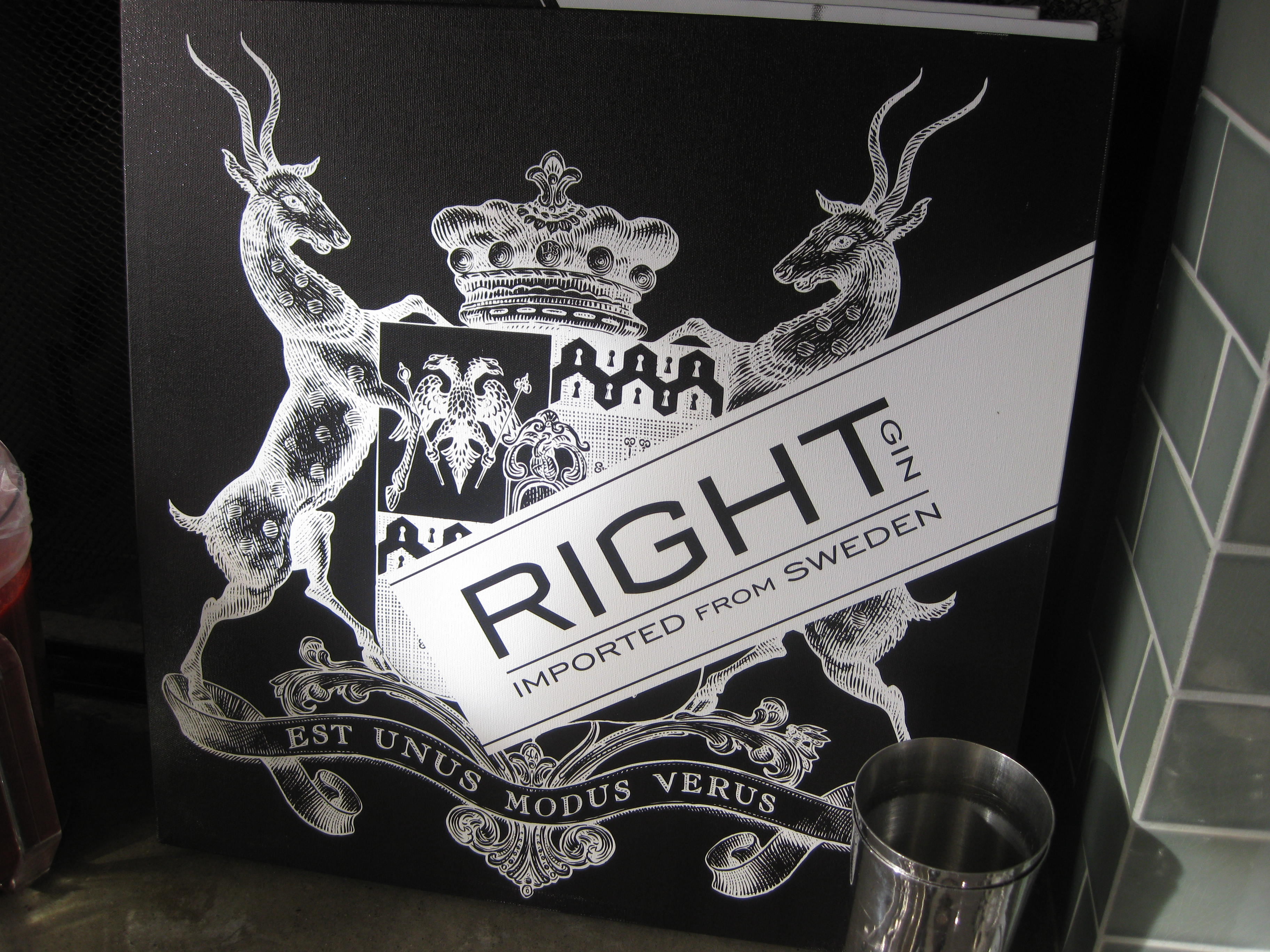 Right gin's label