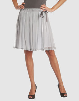 The Look For Less: Mauro Grifoni Light Gray Pleated Skirt